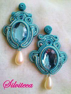 DSC_0029 Soutache Pendant, Soutache Earrings, Diy Earrings, Funky Jewelry, Beaded Jewelry, Jewellery Diy, Shibori, Bib Necklaces, Ribbon Art