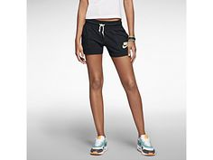 Nike Gym Vintage Women's Shorts- I love that they have pockets! Comfy Shorts, Gym Shorts, Casual Shorts, Athletic Outfits, Athletic Wear, Sport Outfits, Nike Gear, Gym Gear, Workout Gear