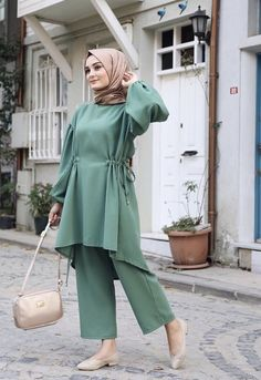 Hijab Casual, Stylish Hijab, Modest Fashion Hijab, Modern Hijab Fashion, Pakistani Dresses Casual, Islamic Fashion, Abaya Fashion, Muslim Fashion, Fashion Outfits
