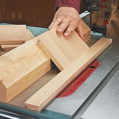 Clever Table Saw Jig
