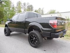 I quite appreciate this finish color for this %%KEYWORD%% Lifted Ford Trucks, Chevrolet Trucks, Trucks And Girls, Big Trucks, Ford F150 Harley Davidson, Ford F150 Custom, 2012 Ford F150, Used Cars, Jeep