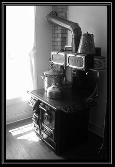 Old stove at Grant Kohrs Ranch