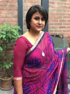 """Singer and journalist Mahmuda Moumita released her latest cover of the popular song """"Bhalo Achhi Bhalo Theko"""", composed and penned by prominent poet Rudra Mohammad Shahidullah."""