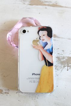 snow white iphone 4 4s clear case...yes please!