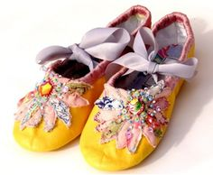 ♒ Enchanting Embroidery ♒  embroidered shoes - Rebecca Davison-March