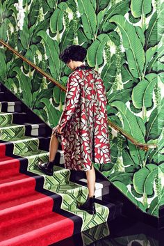 This wallpaper, the coat! photo by Juco at Greenbrier Resort Style retro Textiles, Foto Flash, Creative Fashion Photography, Film Photography, Deco Nature, Illustration Mode, Chinoiserie Chic, Leaf Prints, Mixed Prints