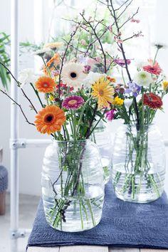 Stoer en eigentijds! Meer dan gerbera's, takken en wat andere bloemen heb je niet nodig :) #HBB #mooiwatbloemendoen #gerbera