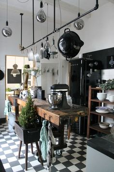 Industrial Style Kitchen, Kitchen Collection, Küchen Design, Online Home Decor Stores, Beautiful Kitchens, Home Living Room, Home Decor Accessories, Decoration, Decorating Your Home