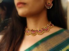 Fulfill a Wedding Tradition with Estate Bridal Jewelry Gold Earrings Designs, Gold Jewellery Design, Handmade Jewellery, Necklace Designs, Indian Wedding Jewelry, Bridal Jewelry, Indian Gold Jewellery, Temple Jewellery, Antique Jewellery