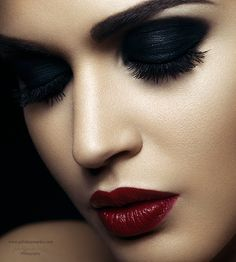 Look At This Article For The Best Beauty Advice. Beauty is essential to today's women. A beautiful woman has it easier in life. Sexy Makeup, Makeup Art, Beauty Make Up, Hair Beauty, Beauty Art, Italian Beauty, Beauty Shoot, Beauty Portrait, Beautiful Lips