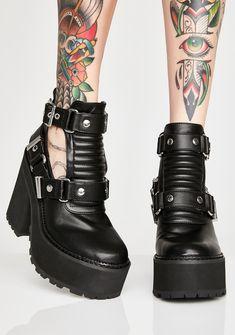 Le migliori 10+ immagini su Shoes   scarpe, stivali, scarpe