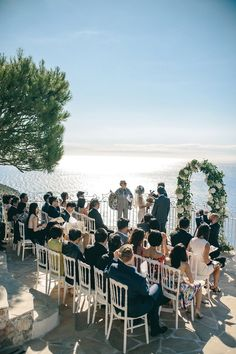 Hilltop wedding ceremony | Image by Fabien Courmont Photography