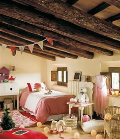 CASA TRES CHIC: READY FOR CHRISTMAS Rustic Kids Rooms, Attic Bed, Christmas Bedroom, Christmas Time, Rustic Cabin Decor, Stone Houses, Girls Bedroom, Bedroom Ideas, Kid Spaces