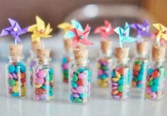 Simple candy mini bouquets.