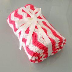 Baby Blanket Coral and Off White baby Blanket door MarigurumiShop, €150.00