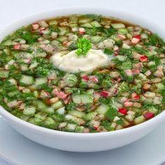 Топ-5 рецептов холодных летних супов  В жаркое время года на смену горячим наваристым супам приходят легкие прохладные окрошки, свекольники и гаспачо.  Холодные супы - лучшее средство от жары.