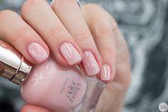 Sally Hansen Color Therapy 220 Rosy Quartz (1 von 1)-2