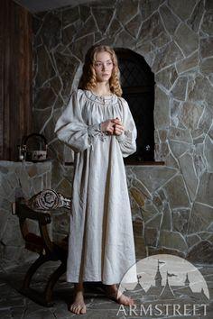 Tailoring Techniques, Renaissance Costume, Medieval Clothing, Under Dress, Pli, Female Images, Stunning Dresses, Costume Dress, Tight Dresses