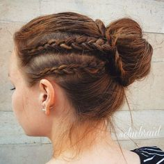 There are certain hairstyles that are simply timeless, universally-flattering and suitable for a variety of hair types. Bun hairstyles got into this category thanks to their flexibility in styling and invariably gorgeous feminine look. Donut Bun Hairstyles, Roll Hairstyle, Formal Bun, Dreadlocks, Le Jolie, Formal Hairstyles, Hair Type, Braids, Feminine