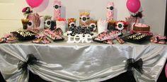 Mesa dulce para nuestra querida amiga Anais en el día de su boda. Enhorabuena y desde Candy Eles te deseamos lo mejor en esta nueva etapa!!!!