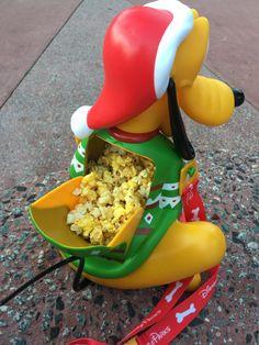Nerd Food: The Pluto Holiday Popcorn Bucket! Disney Souvenirs, Disney Snacks, Popcorn Buckets, Popcorn Tins, Comida Disneyland, Disney Popcorn Bucket, Christmas Popcorn, Disney Cups, Disney World Food
