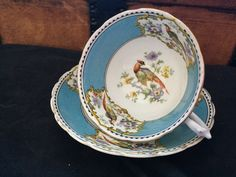 1960s Tuscan Tea Cup & Saucer Pheasant Blue White Teacup Chelsea Bird Collectible Tea Cups FREE USA SHIPPING @Everything Vintage Gift Ideas by EverythingVintageBC on Etsy Vintage Cups, Vintage Table, Vintage Tea, Vintage Gifts, Tea Cup Set, Cup And Saucer Set, Tea Cup Saucer, Tea Sets, White Tea Cups