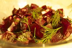 Salade de betteraves & aneth Seaweed Salad, Paleo Recipes, Cabbage, Menu, Vegetables, Ethnic Recipes, French, Food, Beets