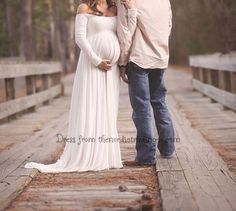 Mom to Be Baby Bump Pregnancy Portrait Dress / Maternity Photo Prop Gown One Size Pink Purple Off-White Baby Shower Gift Expecting Moms