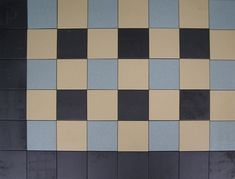Foto Checkerboard Pattern, Vestibule, Tile Patterns, My Dream Home, Tiles, Landscape Designs, Hallway Ideas, Flooring, Retro