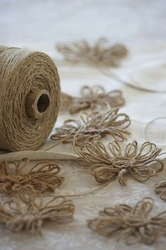 DIY tutorial – How to make twine flowers | Sweets and Knots by Iulia                                                                                                                                                     Plus