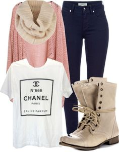 The whole outfit is perfect: specially for fall season