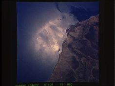 Oman/Gulf Of Oman-Sunglint  1989    Oman/Gulf Of Oman-Sunglint Sts030-89-83 Oman/Gulf Of Oman-Sunglint  NASA (Unspecified Center)   STS030-89-83via ntrs.nasa.gov