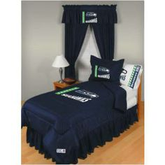 This coverage is so good - you'd think it was Richard Sherman. Check out this Seahawks comforter by Sports Coverage.