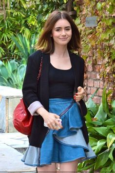 Lily Her Style, Cool Style, Lily Collins Hair, Love Lily, Celebrity Style Inspiration, The Most Beautiful Girl, Celebrity Crush, Brie, Celebrities