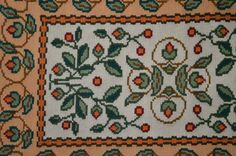 Arraiolos: portuguese tapestry.