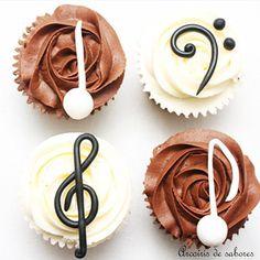 #Cupcake de #notasmusicales para un #músico  #música #music #musicalnotes #partitura #score #sheetmusic #cakedesigner #cakeartist #customcake #reposteria #sugarpaste #buttercreamcupcake #buttercream #instacake  #birthday #cumpleaños #fiesta #party #birthdaycake #tartadecumpleaños #tortadicompleanno #bolo #bolodianiversario  #Madrid #arcoirisdesabores @arcoirisdesabores http://ift.tt/1qTEnmY by arcoirissabores