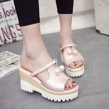 Nuevo estilo de la mujer cuñas de moda de verano zapatillas de tacón alto zapatillas femeninas sandalias zapatos casuales sandalias de la señora.(China (Mainland))