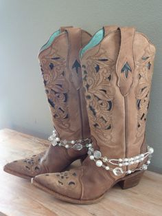 by simplyuboutique Boot Bling, Cowgirl Bling, Cowgirl Style, Cowgirl Boots, Gypsy Boots, Boho Boots, Diy Leather Bracelet, Boot Bracelet, Boot Jewelry