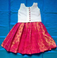 Girls Frock Design, Kids Frocks Design, Baby Frocks Designs, Baby Dress Design, Baby Design, Kids Party Wear Dresses, Kids Dress Wear, Kids Gown, Little Girl Dresses