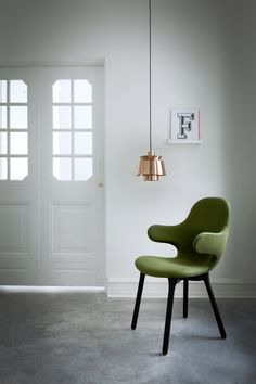 Jamie Hayon Catch Chair and the beautiful Utzon pendant Design Furniture, Chair Design, Milan Furniture, Design Room, Jamie Hayon, Objet Deco Design, Decoration Design, Take A Seat, Trendy Colors