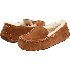UGG slippers - want, need ----- love!!