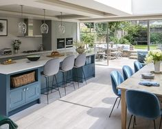 27 Comfort Blue Scandinavian Kitchen Inspirations That You'll Like. Have More Exquisite Scandinavian Kitchen Blue Ideas Open Plan Kitchen Dining Living, Open Plan Kitchen Diner, Kitchen Design Open, Open Plan Living, Living Room Kitchen, Open Kitchen, Dining Room, Island Kitchen, Kitchen Black