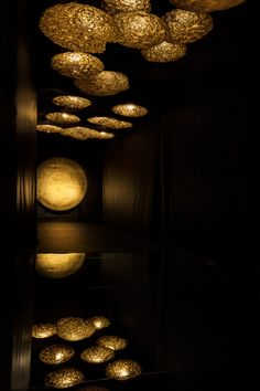 Catellani & Smith – Nava Rapacchietta Magnificent Salone exhibition of golden lighting by Catellani & Smith. Available in LA at Graye Artwork Lighting, Interior Lighting, Lighting Design, Home Entrance Decor, Gold Money, Space Interiors, Gold Background, Contemporary Sculpture, Exhibition Space