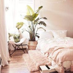 Ideas de suelos de palets en los que inspirarte para tu terraza o jardín – I Love Palets Pink Bedroom Decor, Pink Bedrooms, Small Room Bedroom, Cozy Bedroom, Girls Bedroom, Bedroom Ideas, Scandinavian Bedroom, Couple Bedroom, Bedroom Modern