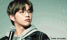 Daniel so cute =))) Choi Daniel, Daniel K, Kang Daniel Produce 101, Ong Seung Woo, Smile Gif, Choi Jin, Happy Gif, Prince Daniel, Perfect Gif