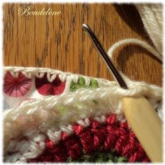 début doublure. In French. . . But good pictures to show how to put a fabric back on crocheted blanket