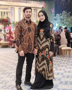 Who is not familiar with batik outfit? This outfit is a cultural and characteristic symbol in Asia especially in Indonesia. At first appearance batik was only Kebaya Hijab, Kebaya Dress, Batik Kebaya, Dress Pesta, Kebaya Muslim, Muslim Dress, Batik Dress, Hijab Dress, Dress Muslimah