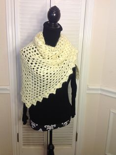 Moms crochet shawl