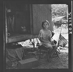 Motherless migrant child. Washington, Toppenish, Yakima Valley. - 1939, Dorothea Lange