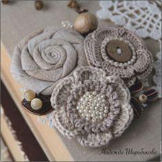 Броши ручной работы. Заказать Брошь Felt Flowers, Crochet Flowers, Fabric Flowers, Crochet Brooch, Crochet Earrings, Crochet Hats, Fabric Flower Brooch, Fabric Flower Tutorial, Crochet Accessories